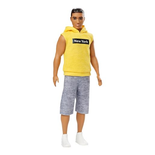 Barbie - Muñeco Fashionista - Ken con Jersey Amarillo New York